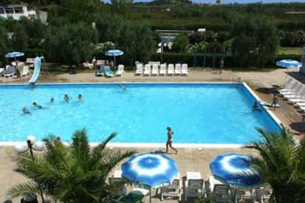 Residence Mira : Residence Mira Hostel, swimming pool image