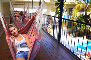 Cairns - Cairns Central YHA : Hammocks