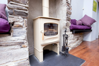 YHA Tintagel : 018237 - Tintagel hostel, wood burner image