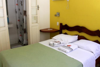 Mango Tree Hostel Ipanema : Mango Tree hostel double room with private bathroom