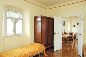 Youth Hostel Radovljica : 092557, Radovljica hostel, second room with private lounge image