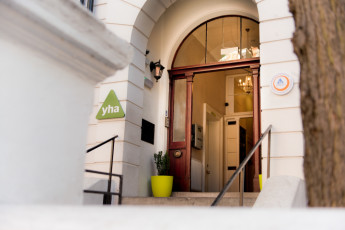 YHA London Earl's Court : recepción de Inglaterra recepción en Court Hostel London Earl's Court, Inglaterra