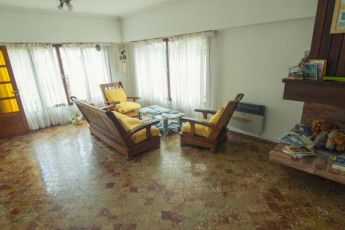 Hi Patagonia Hostel : HI Patagonia hostel, hostel lounge2