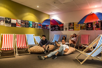 Adelaide Central YHA : Indoor Outdoor Movie Room
