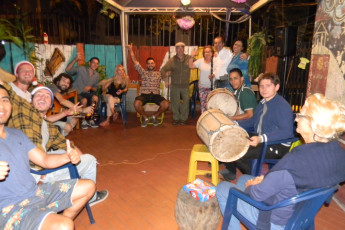Cali - Sunflower Hostel : Celebrando