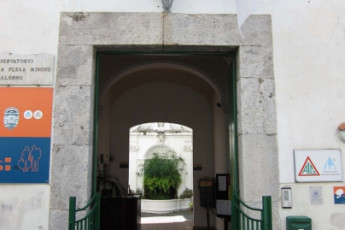 Salerno (Amalfi Coast) : Front Exterior View of Salerno (Amalfi Coast) Hostel, Italy
