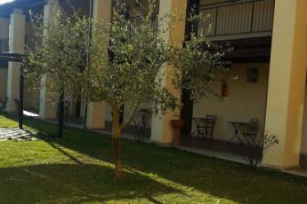 Perugia - Mario Spagnoli : hostel, 031085, ostello Spagnoli Perugia, italia, cortile interno