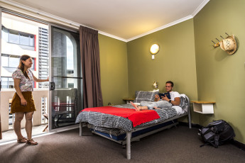 Adelaide Central YHA : Double Room
