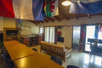 Hi Patagonia Hostel : HI Patagonia hostel, communial area