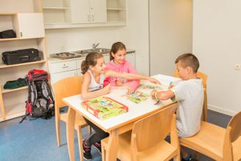 Maldegem - Die Loyale : Family Studio with Kitchenette in Maldegem - Die Loyale Hostel, Belgium