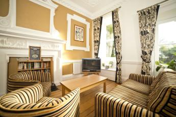 YHA Penzance : Lounge in Penzance Hostel, England