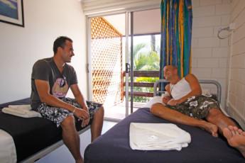 Airlie Beach YHA : Twin Room