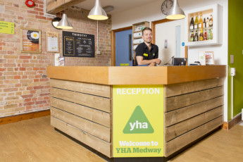 YHA Medway : 018065 - Medway hostel reception image