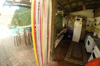 Ilha Bela - Hostel Central Ilhabela : cozinha hóspede