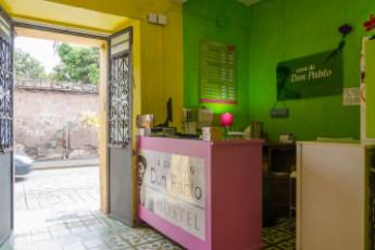 Oaxaca - Casa de Don Pablo Hostel : front desk