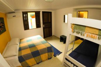 Ilha Bela - Hostel Central Ilhabela : Quarto Família