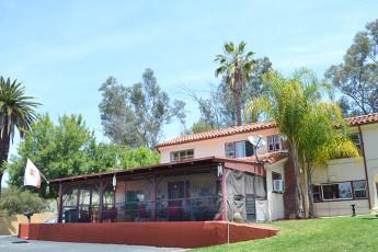 HI - Los Angeles - Fullerton : exterior