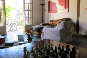 Ilha Bela - Hostel Central Ilhabela : Sala de estar