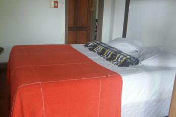 Ilha Bela - Hostel Central Ilhabela : quarto de casal