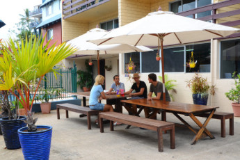 Airlie Beach YHA : Outdoor Dining