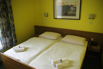 Youth Hostel UNI : Dormitorio doble en Maribor - uni-Hostel, Eslovenia