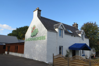 Drumnadrochit - Loch Ness Backpackers : LNB!
