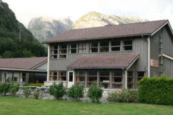 Lysefjorden : patio dans Lysefjorden Hostel, Norvège