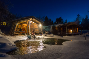 Saariselkä - Hostel Ahopää : Smoke sauna and Winter swimming