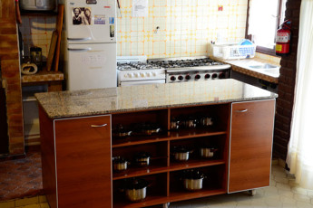 Hi Patagonia Hostel : HI Patagonia hostel, hostel kitchen