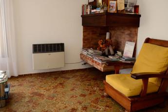 Hi Patagonia Hostel : HI Patagonia hostel, hostel lounge