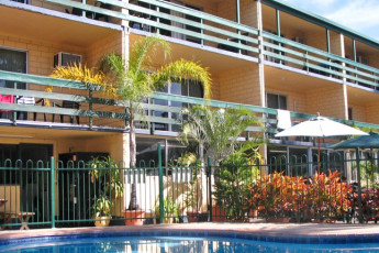 Airlie Beach YHA : External