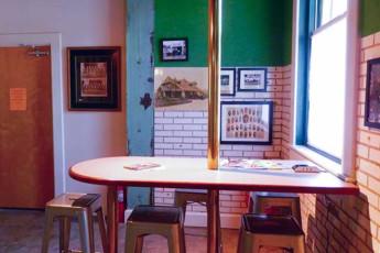 HI Little Rock Firehouse Hostel & Museum : Lobby