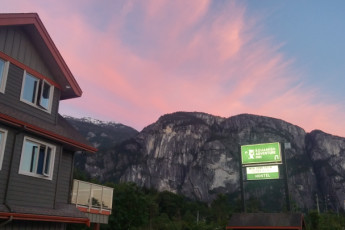 HI-Squamish Adventure Inn :