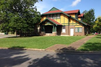 HI Little Rock Firehouse Hostel & Museum : Hostel exterior