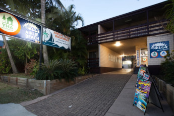 Airlie Beach YHA : Hostel Entrance