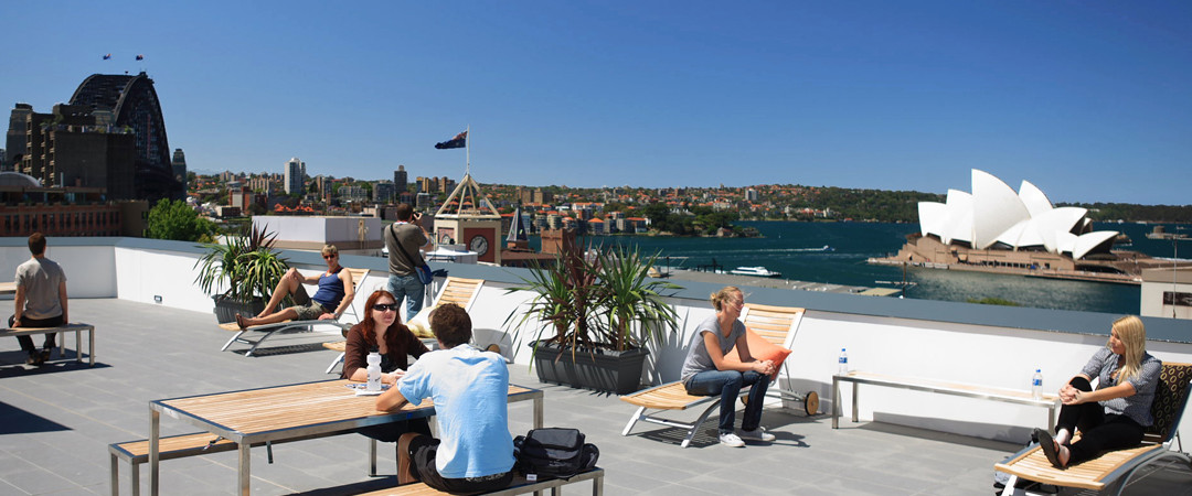 Views don't get much more spectacular than a Sydney Opera House panorama from this hostel's spacious roof terrace.