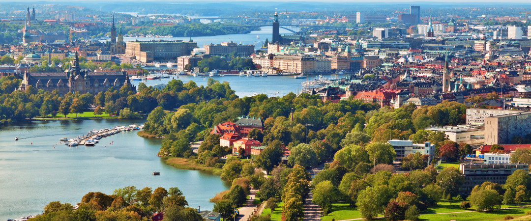 Take a relaxing stroll, go jogging or cycling along the waterfront of a captivating green oasis in the middle of Stockholm.