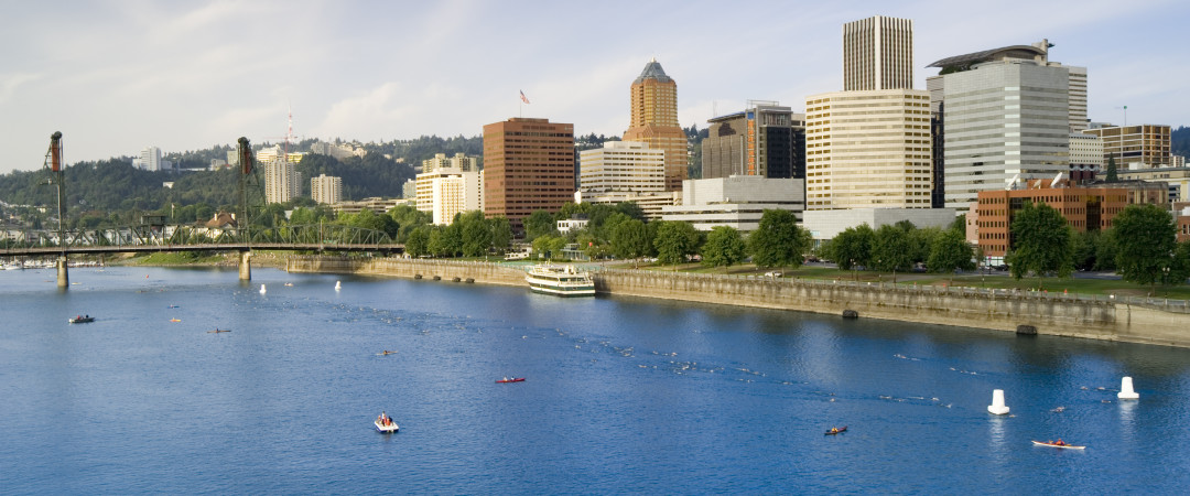 Jog, walk or bike along Willamette River and enjoy stunning scenery and lovely views of downtown.