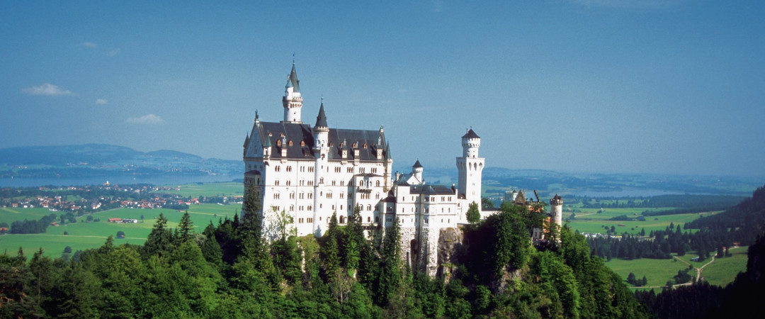 Feel the spirit of the magical, fairytale Neuschwanstein Castle and climb up the stairs to get a panoramic view of the Bavarian region.
