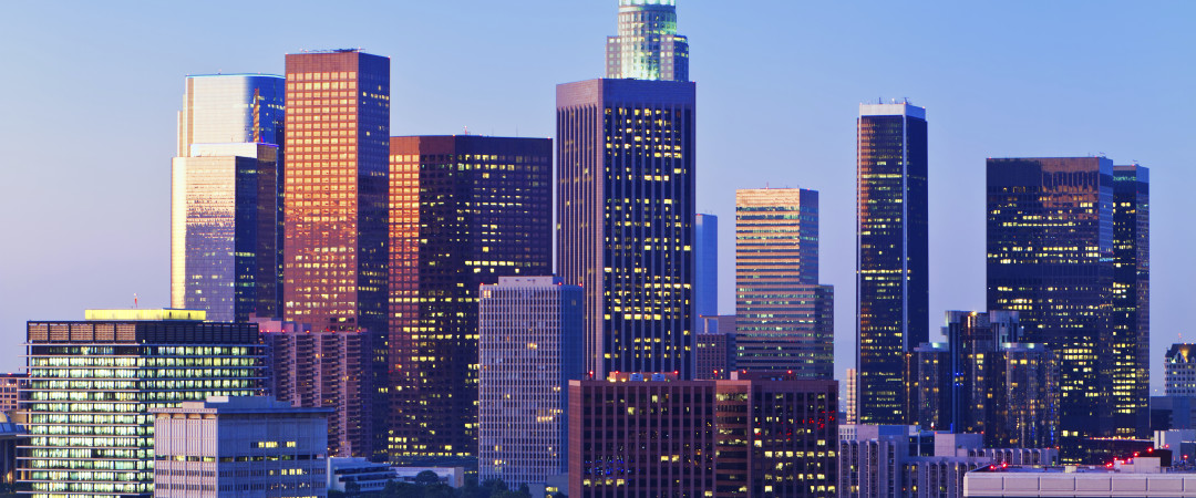 Get seduced by the sights of metropolitan Los Angeles while staying in a quiet neighbourhood of enchanting South Bay.