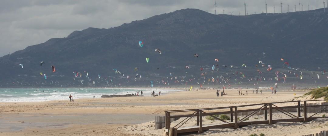 en la tranquila y relajante La Paloma puede pasar los días nadar, practicar el surf e incluso volar cometas en las magníficas playas.