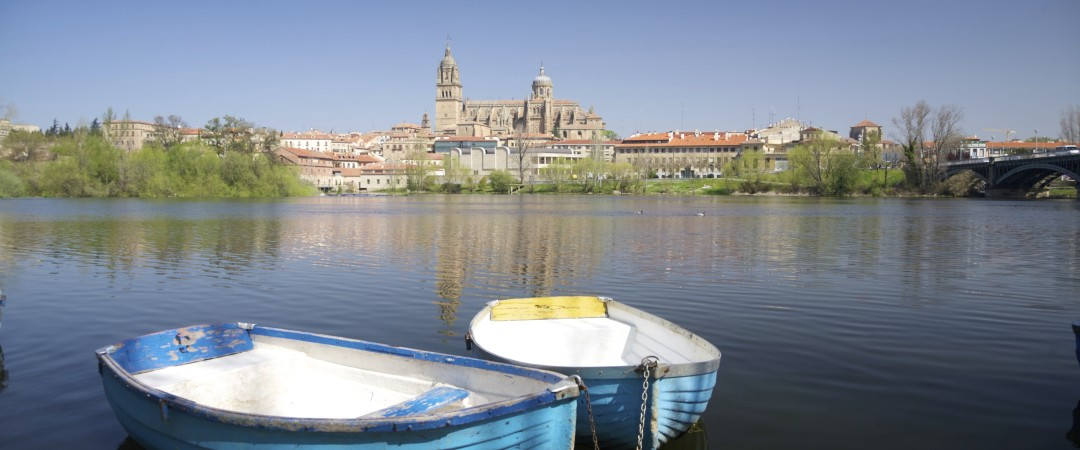 Salamanca's Old City is a UNESCO World Heritage Site with many sights like the New Cathedral and a busy nightlife in Gran Via by the hostel.