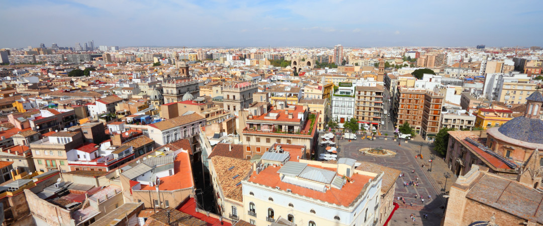 situado en el centro histórico de Valencia, en el barrio de Velluters, el hostal se encuentra en el lugar perfecto para abrazar Valencia