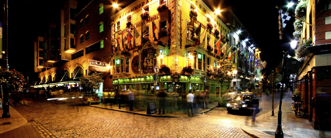 Spend an evening exploring the medieval, cobbled streets of Temple Bar, one of Dublin's top nightlife spots.