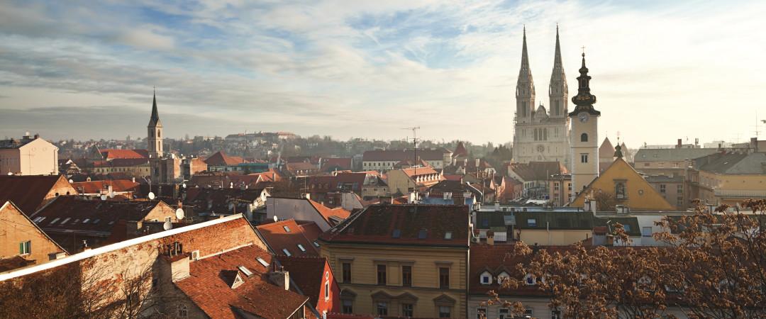 explorar ciudad más grande y capital de Croacia, Zagreb. Una ciudad llena de historia, cultura, deportes, alegres bares y salones de cerveza.