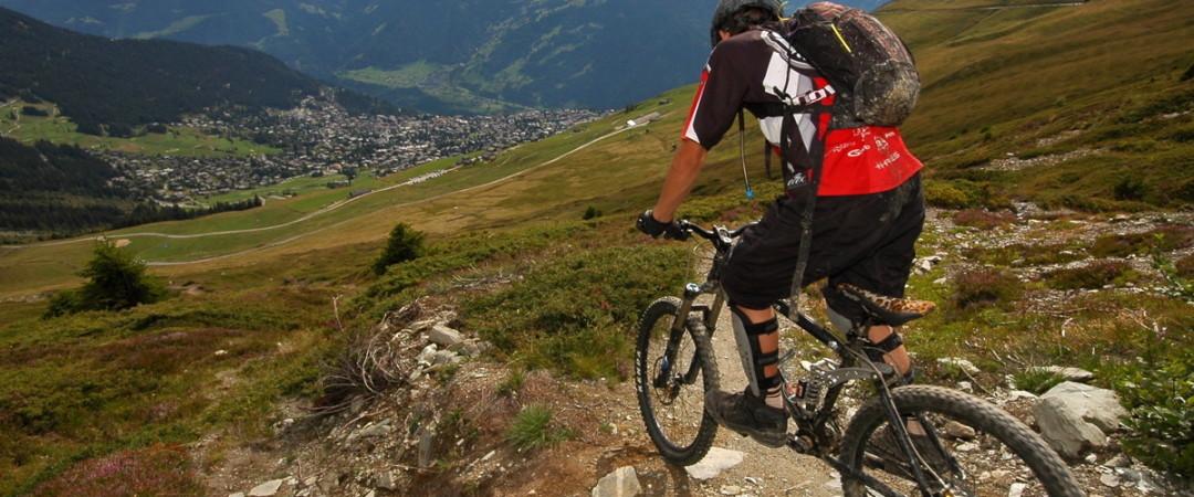 para una adrenalina impulso, prueba ciclismo de montaña y explorar la belleza de Kaikoura majestuosa naturaleza.