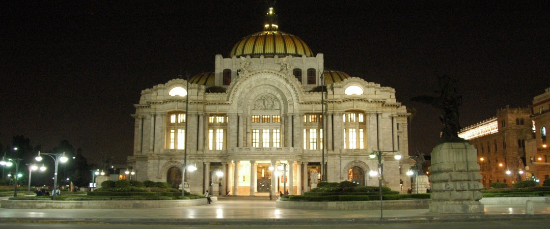 You're just a short walk away from the impressive Palace of Fine Arts, one of Mexico's most important cultural institutions, when you stay at our hostel.
