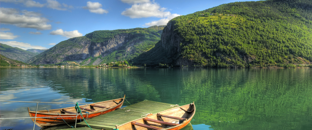 See the undisturbed natural beauty of Norway for yourself and take a tour of the stunning fjords and beautiful mountains.