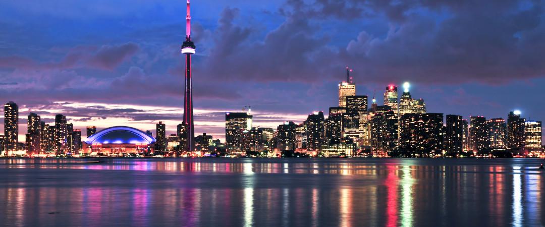 Toronto es la ciudad más grande de Canadá, y hogar de la Torre CN Tower, la torre más alta en el mundo occidental y el hostal está muy cerca.