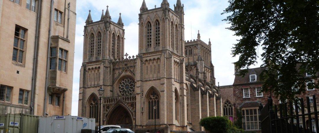 Bristol es una de las más importantes inglés centro cultural con el Bristol City Museum and Gallery y la ciudad Catedral a una corta distancia a pie del hostal.